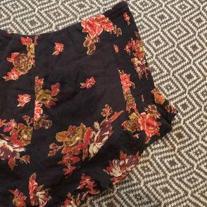 Free People Shorts - Free People Merpati Floral Ruffle Shorts Sz Small